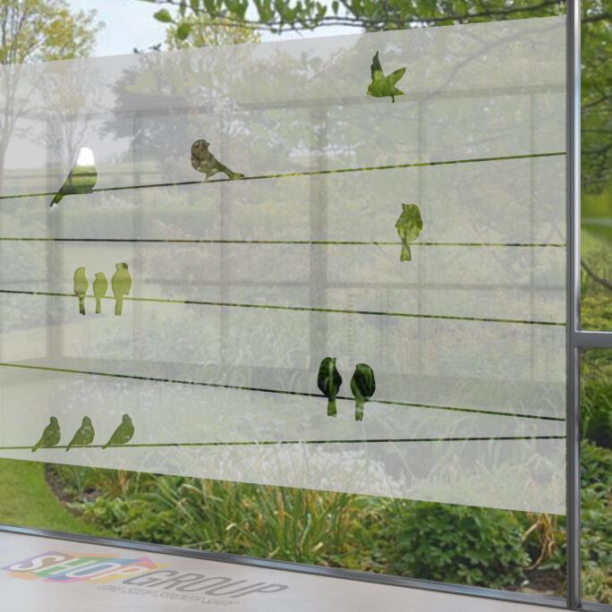 Zelfklevende raamfolie met vogels op draad