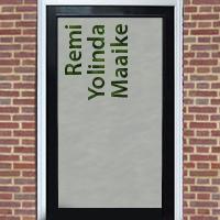 Zelfklevende raamfolie voordeur met namen
