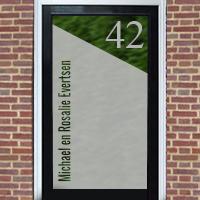 Zelfklevende raamfolie schuine hoek en huisnummer